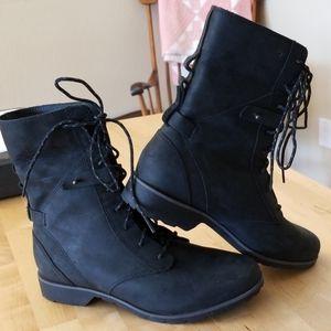 Teva de la vina lace boots